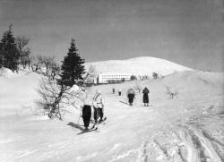 Pallas oli keskeinen paikka suomalaisen alppihiihdon alkutaipaleella. (kuva: Lapland Hotels)